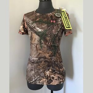 UNDER ARMOUR Realtree Camo Hunting Shirt Womens